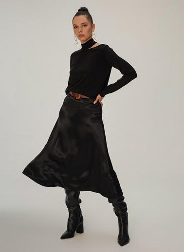 NGSTYLE Dekolte Detaylı Triko Kazak Siyah